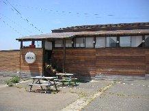 お店の外観。このまま右の方を見ると、パチンコ屋だったことがわかります。